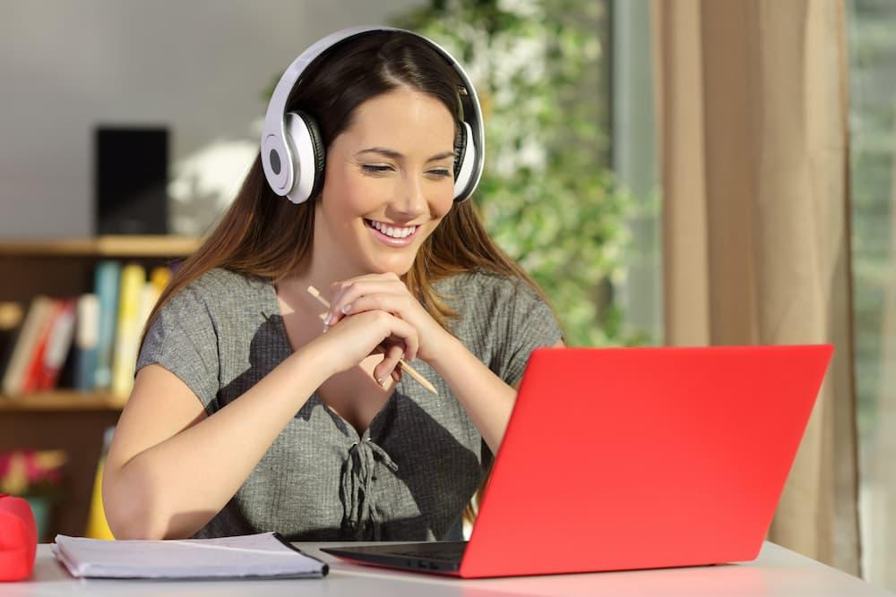 數位課程補課系統 解決防疫期間在家上課的問題