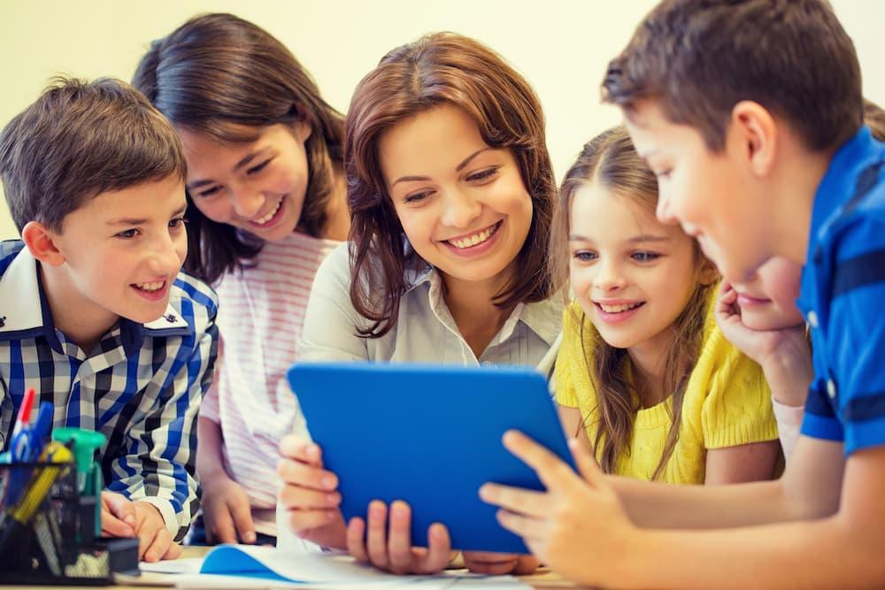 學校如何進行線上行銷活動推廣
